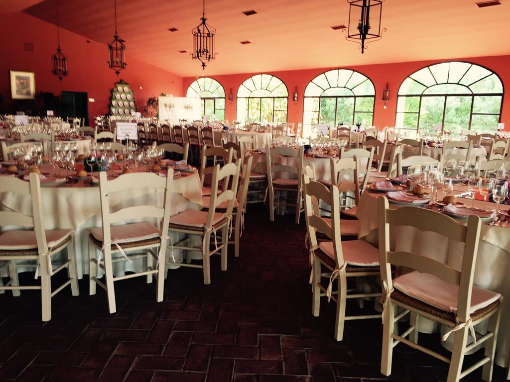 Almuerzo en salón - Boda Isabel & Manolo en Dehesa Bolaños