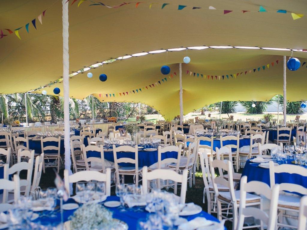 Interior carpa almuerzo - Boda Bea & Ignacio en Dehesa Bolaños