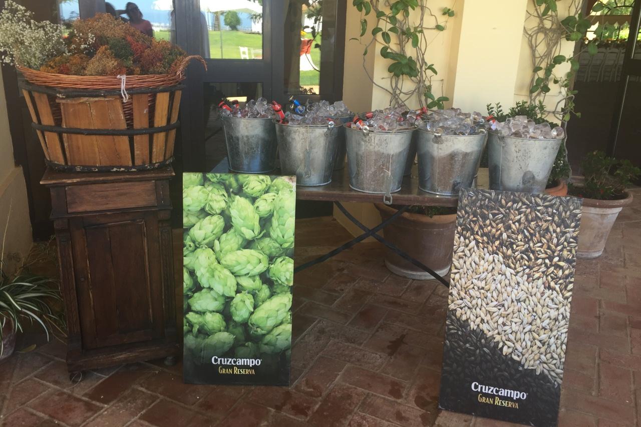 Cubos cerveza Cruzcampo - Comunión Clara en Dehesa Bolaños