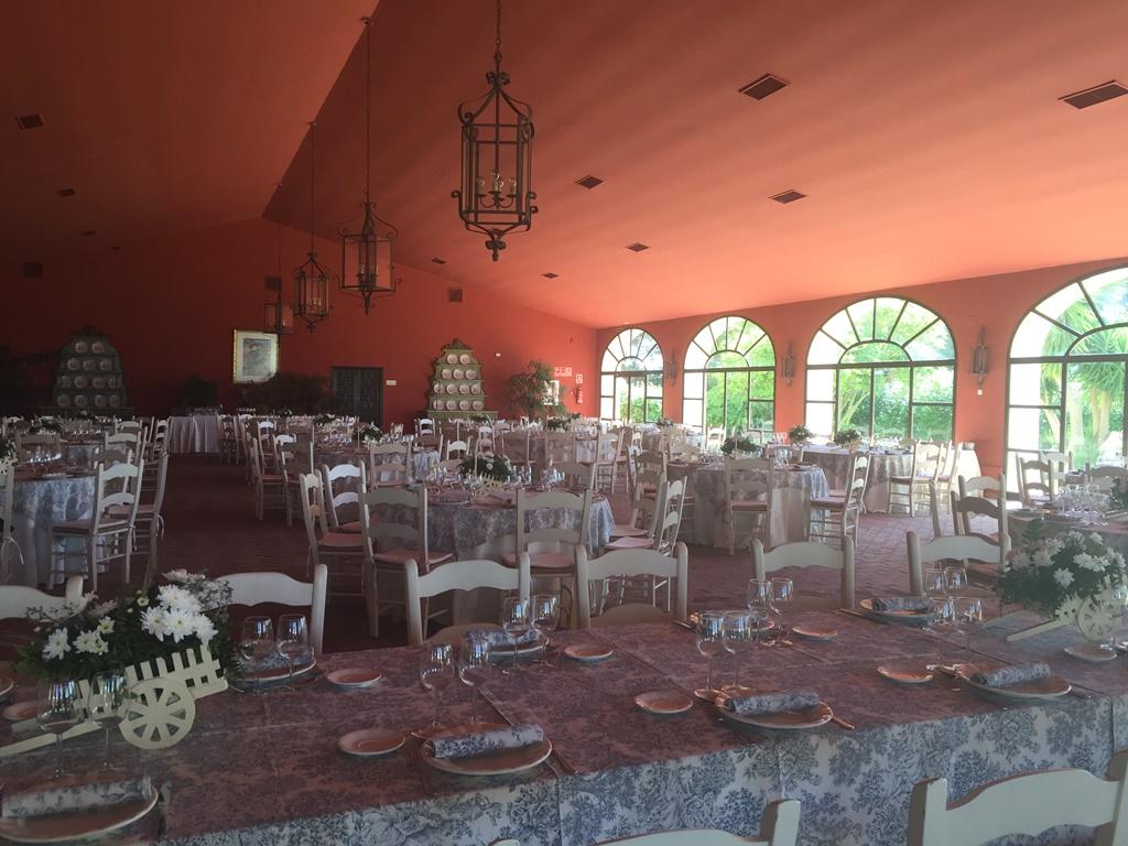 Almuerzo en el salón - Boda Mamen & Carlos en Dehesa Bolaños