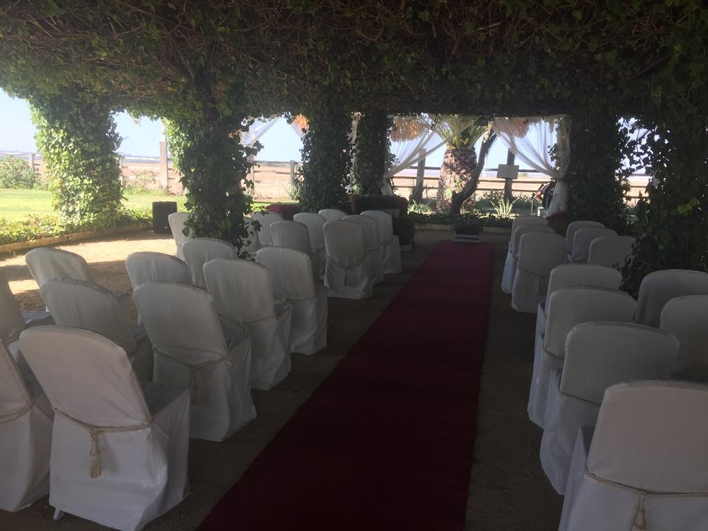 Interior ceremonia civil - Boda Mamen & Carlos en Dehesa Bolaños