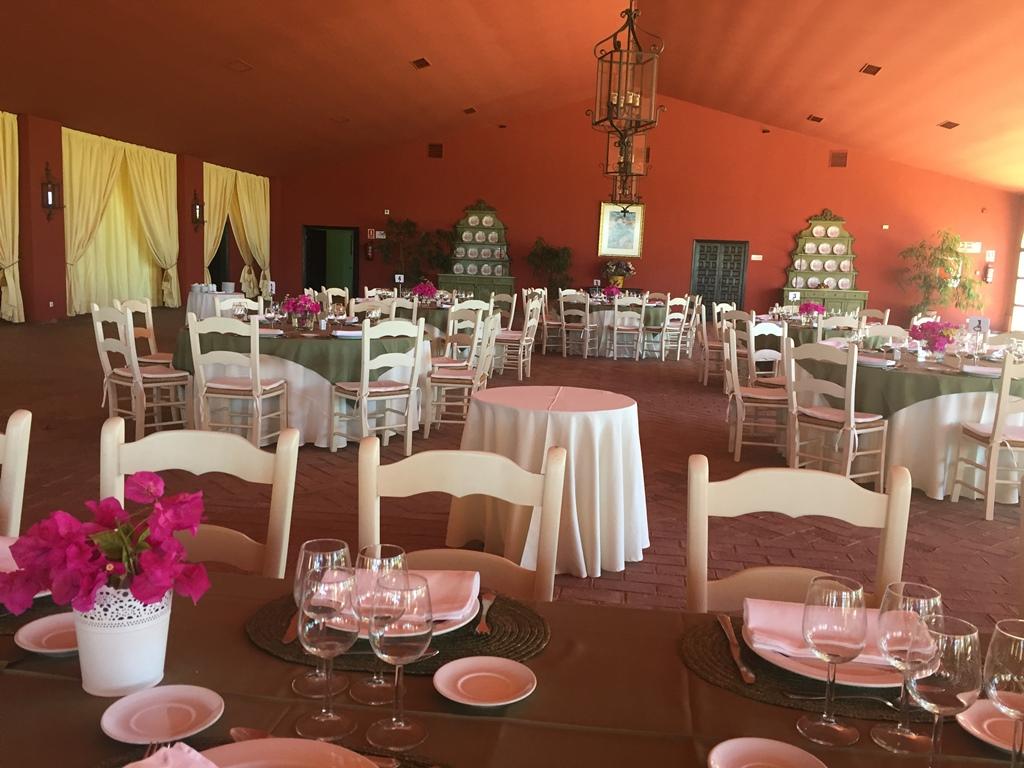 Salón almuerzo - Comunión Paloma en Dehesa Bolaños
